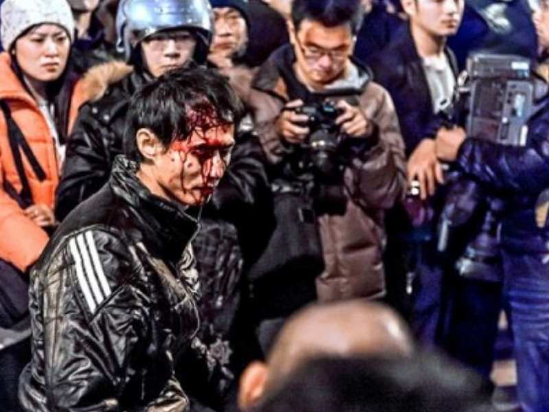 Man with bloody head after being beaten by police truncheons during Ma Ying-jeou's bloody crackdown on students at Taiwan's Executive Yuan