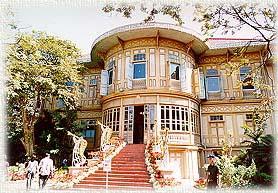 Wimanmek_palace